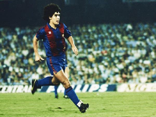 """Tiểu sử cầu thủ maradona """"biểu tượng vĩ đại của lịch sử"""""""